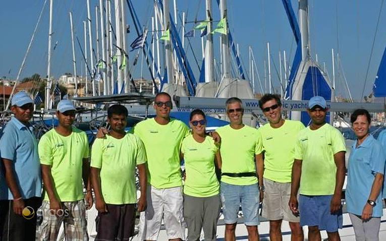 Das Team von Olympic Yachting, in der Mitte Marco.